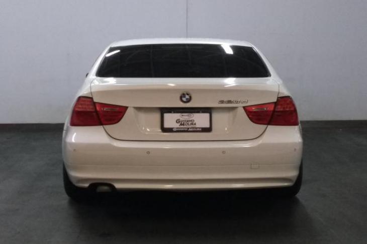 BMW 320d 2011 73,200 kms.