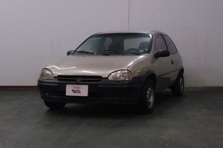 CHEVROLET CHEVY 2000 70,900 kms.