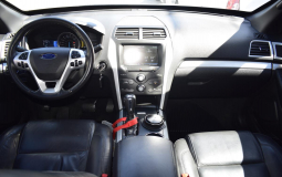 FORD EXPLORER XLT 4WD 2014 69,000 kms.