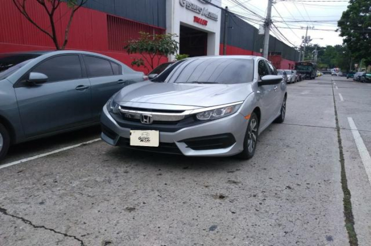 HONDA CIVIC LX 4DR AT 2017 46,800 kms.