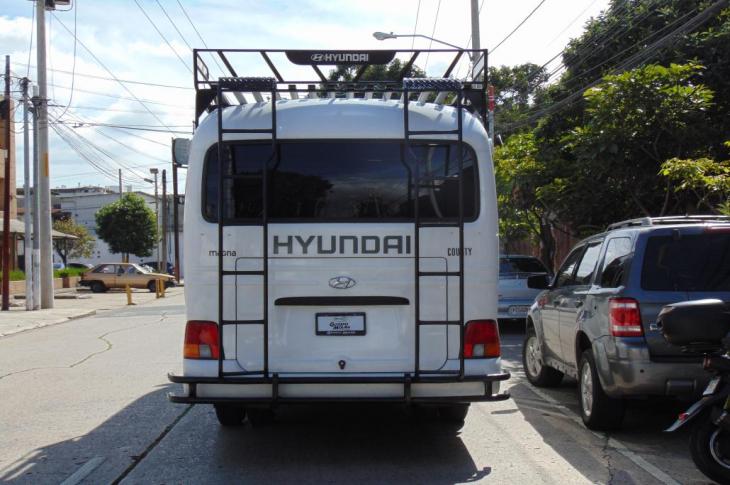 HYUNDAI COUNTY 2019 23,500 kms.