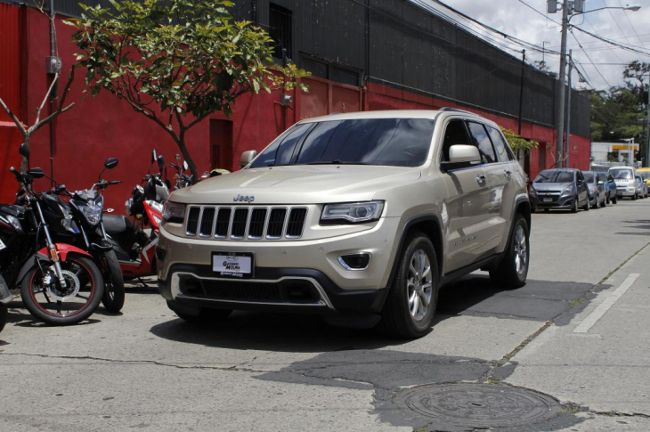 JEEP GRAND CHEROKEE LIMITED 2014 73,700 kms.