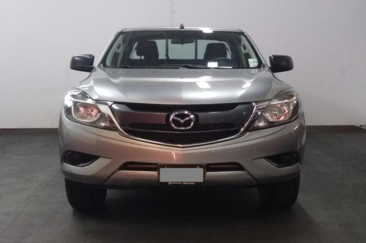 MAZDA BT 50 4X4 DOBLE CABINA  2017 74,800 kms.