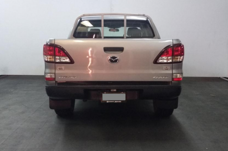 MAZDA BT 50 4X4 DOBLE CABINA  2017 79,700 kms.