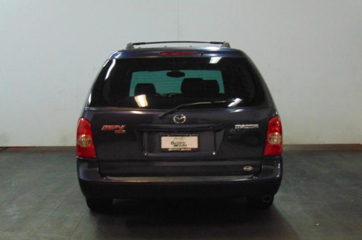 MAZDA MPV LX 2003 111,100 kms.