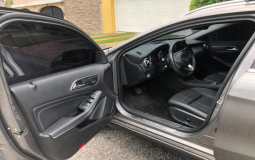 MERCEDES BENZ GLA 250 2.0L T/A GAS 4MAT 2016 31,700 kms.