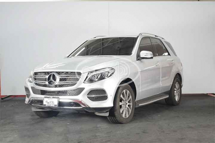MERCEDES BENZ GLE 250  2016 35,500 kms.