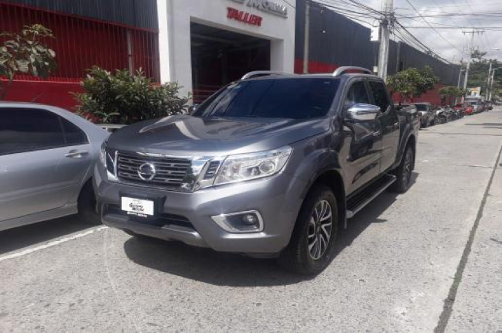 NISSAN FRONTIER D23 4X4 2017 70,400 kms.