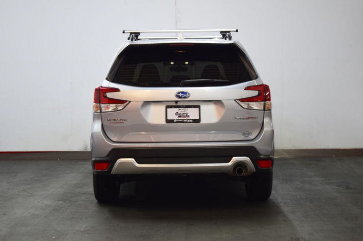 SUBARU FORESTER 2019 8,100 kms.