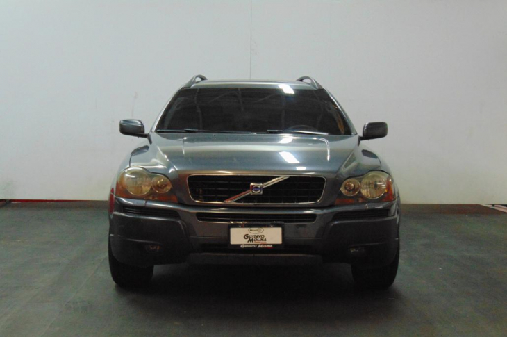 VOLVO XC90 2.5 T 2006 126,250 kms.
